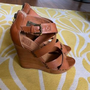 Dolce Vita Leather and wood strappy Wedges